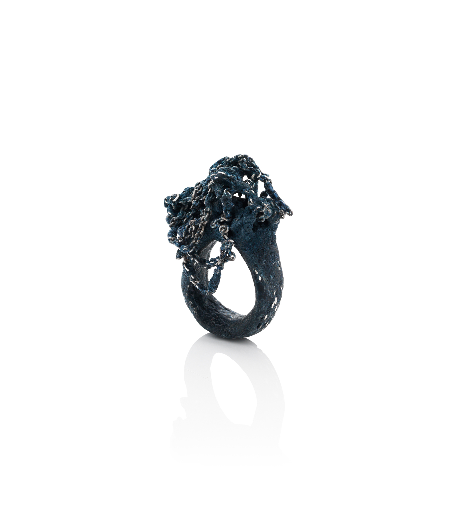 Shades of Black Trace Chain Ring